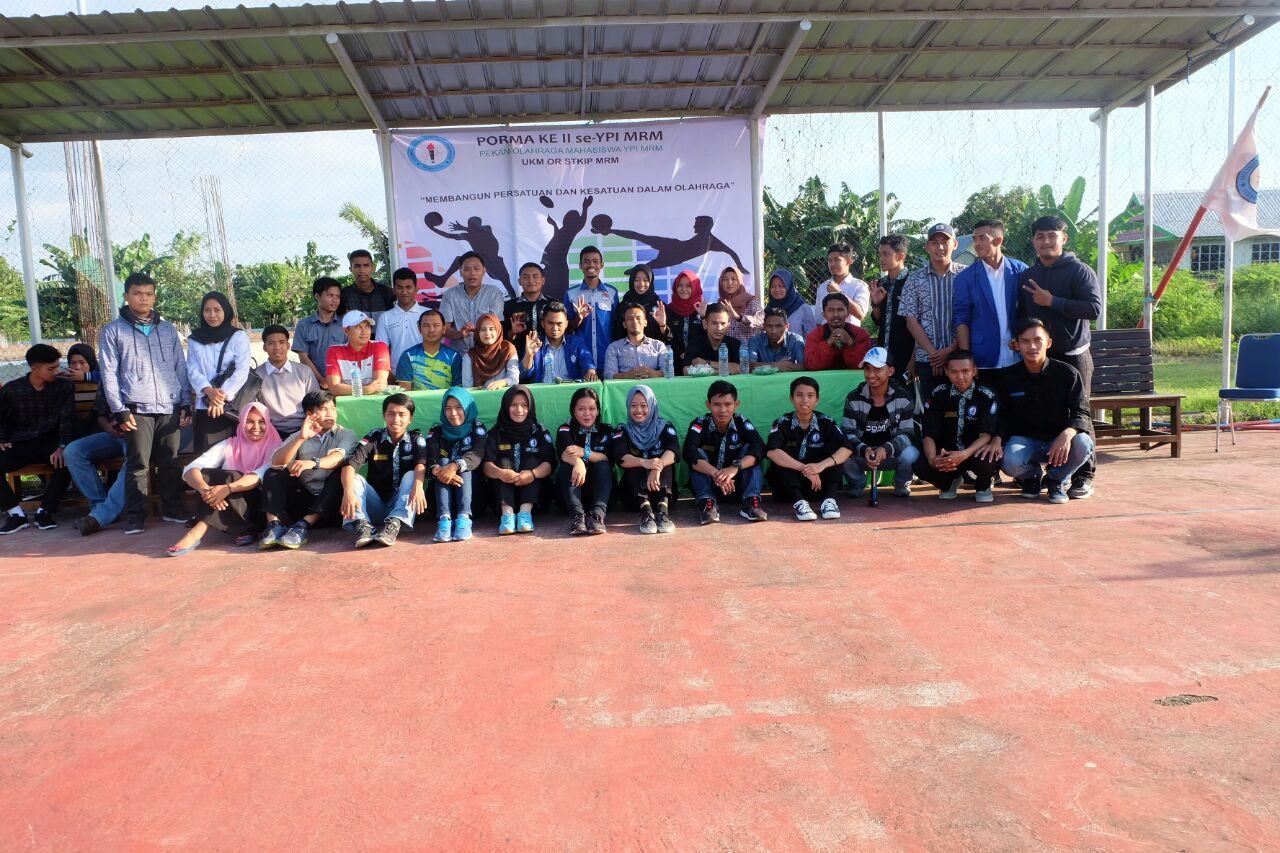 "Unit Kegiatan Mahasiswa (UKM) Olahraga Sekolah Tinggi Keguruan Ilmu Pendidikan (STKIP) Mega Rezky Makassar kembali menggelar kegiatan Pekan Olahraga Mahasiswa (Pormas) se- yayasan pendidikan islam (YPI) ke II yang bertemakan ""Membangun Persatuan dan Kesatuan Dalam Olahraga"" di lapangan kampus MRM rabu (25/4/18)."